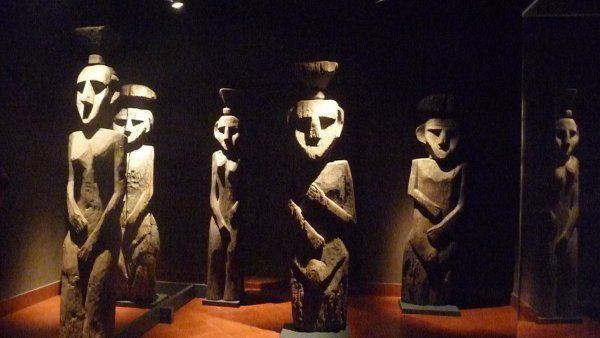 3804063-at-themuseo-chileno-de-arte-precolombino-0.jpg