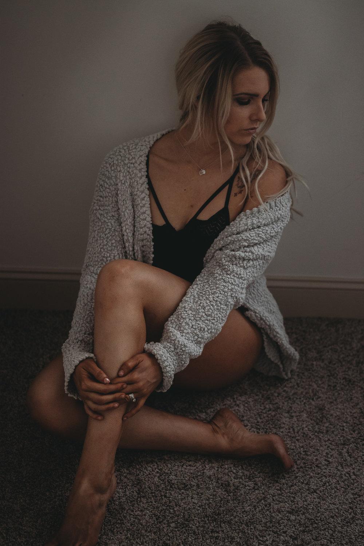 girl sitting boudoir pose