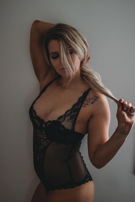 boudoir pose standing
