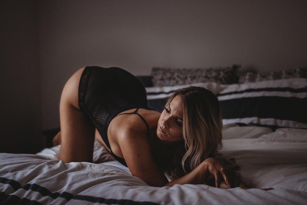 hot girl boudoir pose