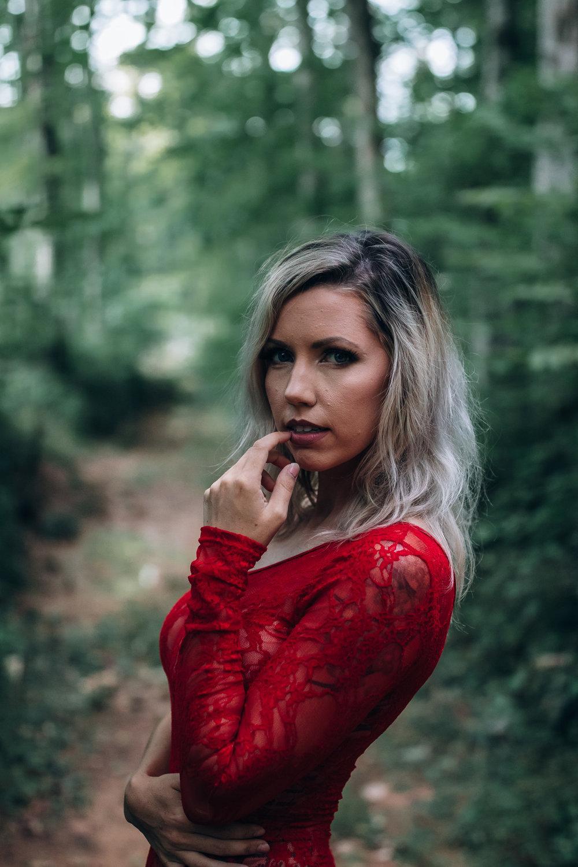 girl in woods outdoor boudoir