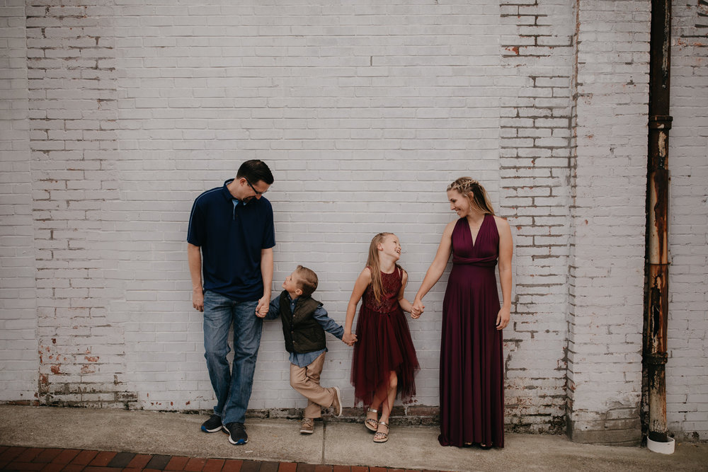 downtown clarksville family photo of four