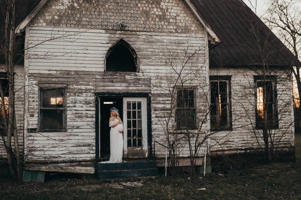 Maternity Photo in Doorway
