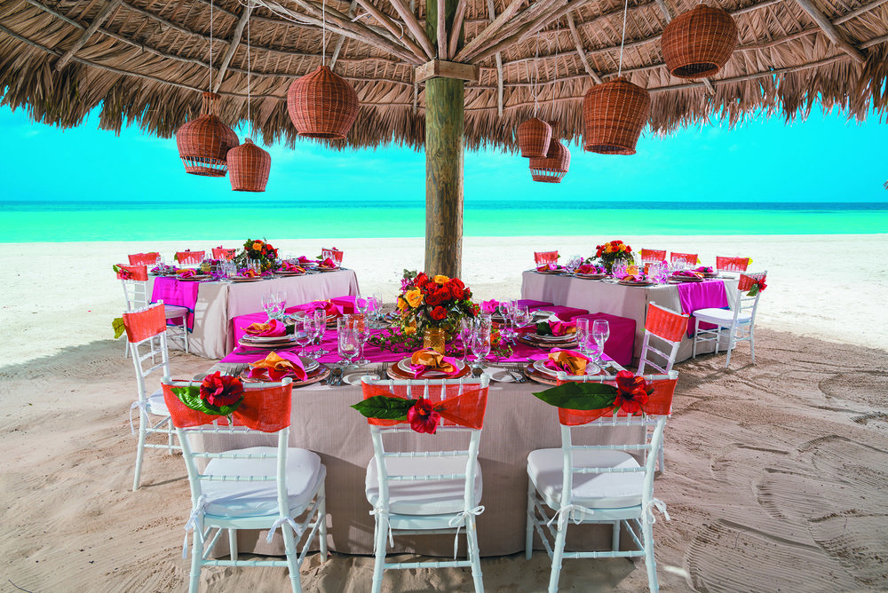 BNG_WHEN_IN_THE_TROPICS_RECEPTION_026.jpg