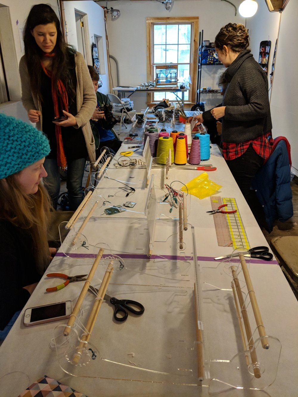 For the Weaving Intensive workshop, Sasha de Koninck, had prepared these laser cut rigid heddle looms that we got to play around with.