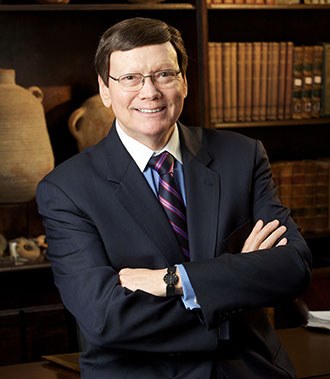 Dr-Ed-Hindson-Liberty-religion-dean.jpg