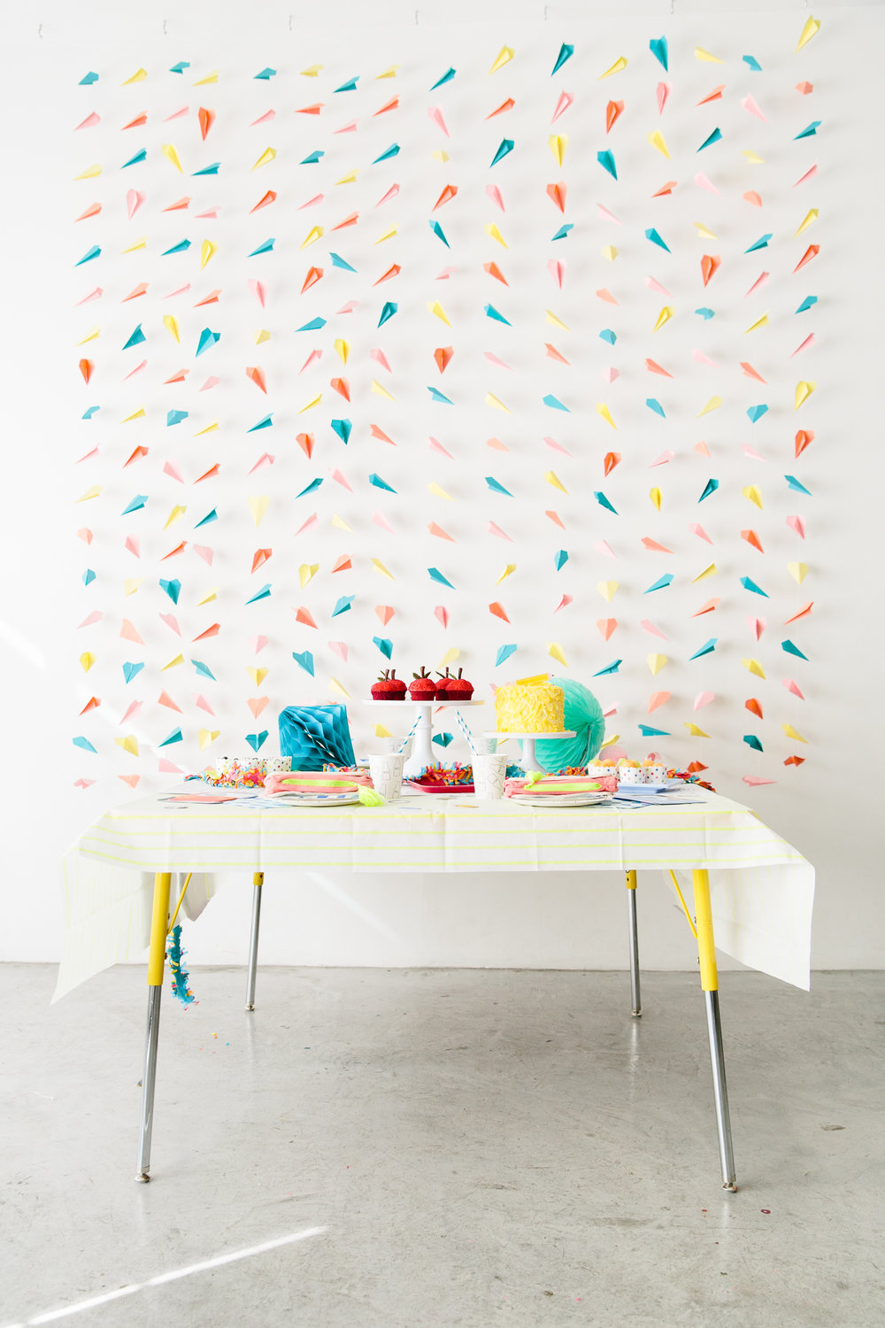Oui Party - Back to School - Tablescape.jpg