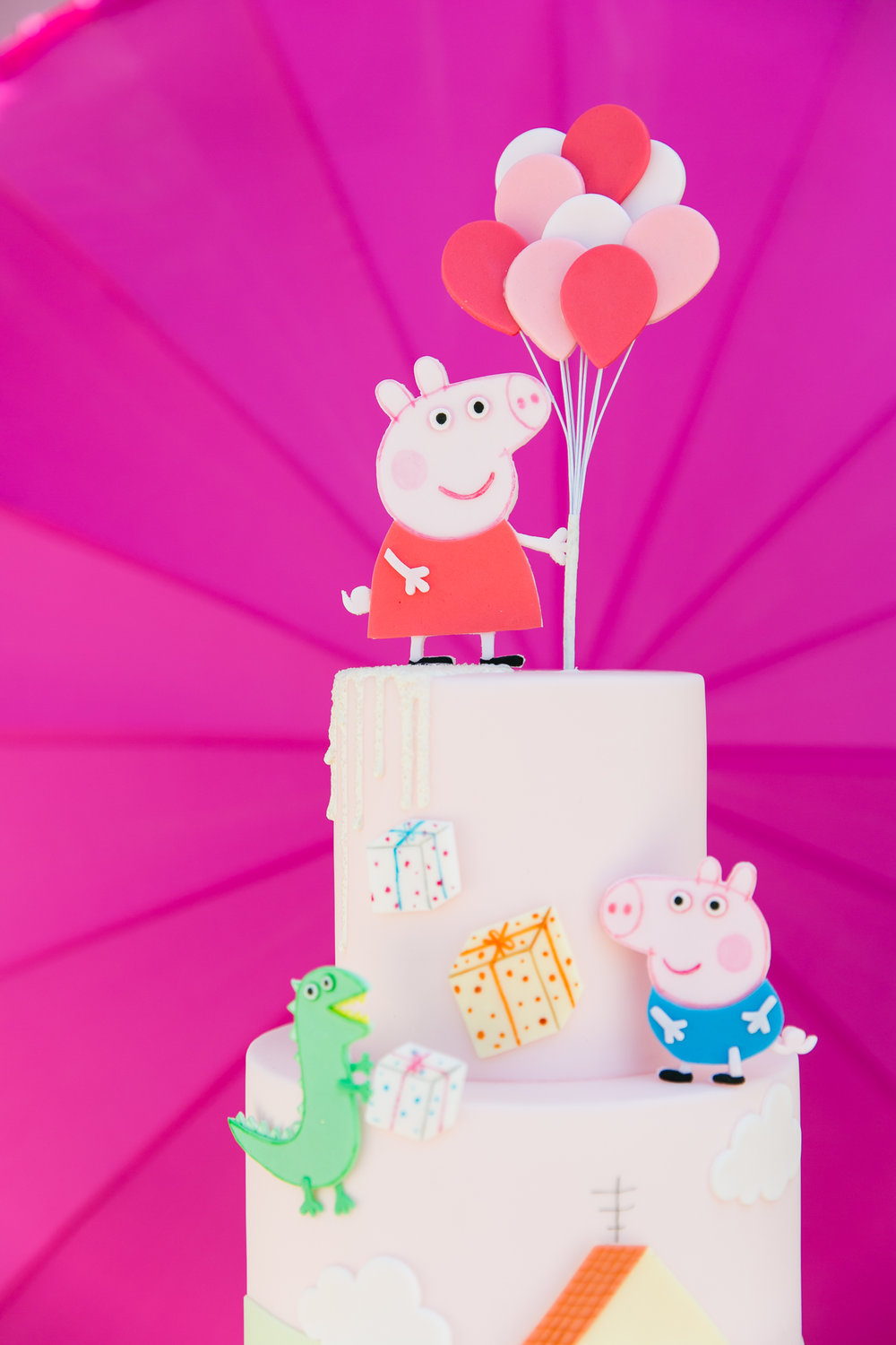 Oui Party - Peppa Pig Party - Peppa Pig Cake.jpg