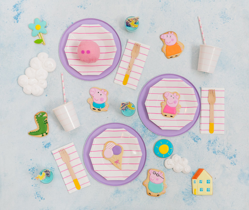 Oui Party - Peppa Pig Party - Tablescape - XO Bakes.jpg