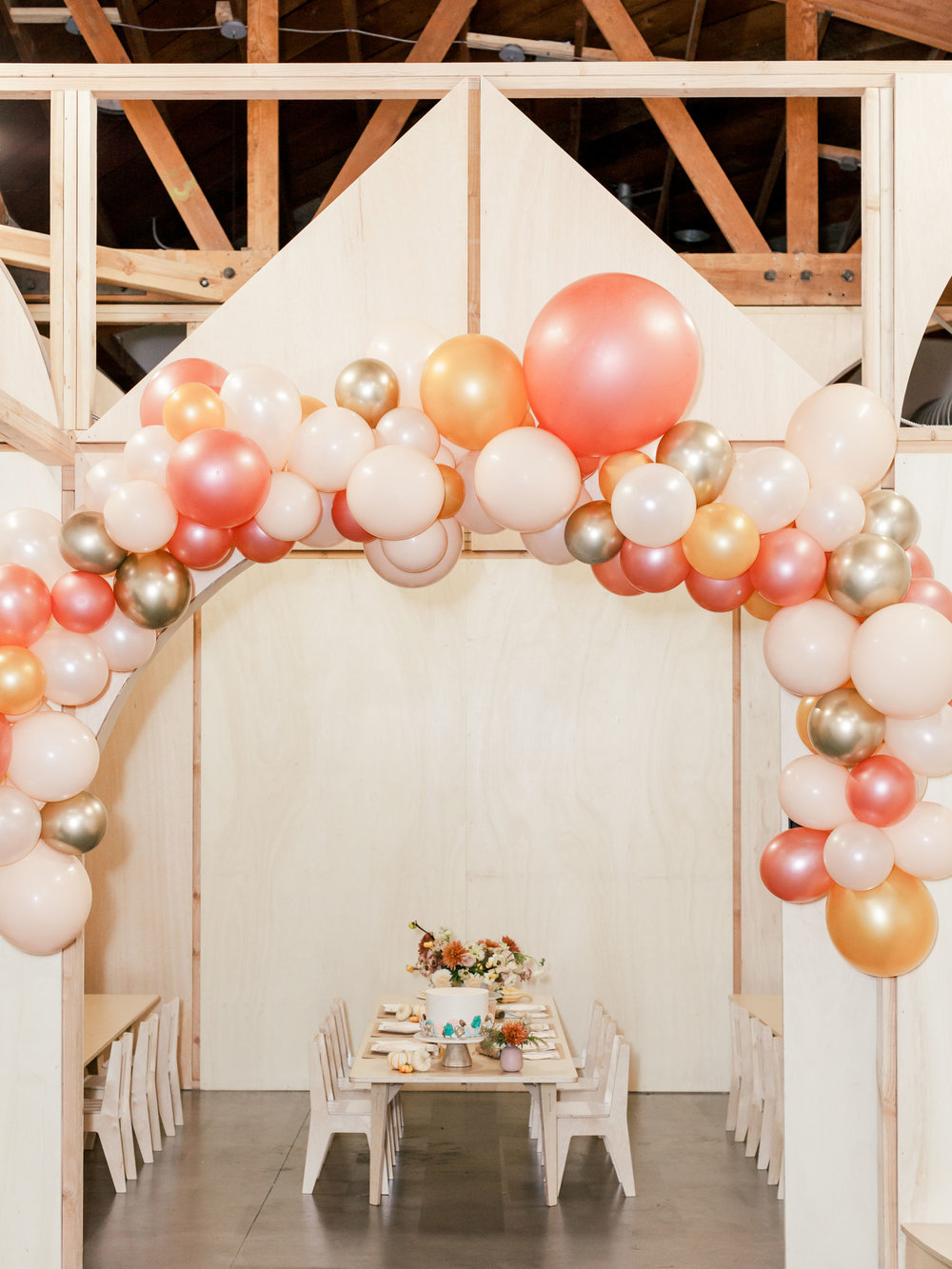 Oui Party Thanksgiving Balloon Garland.jpg