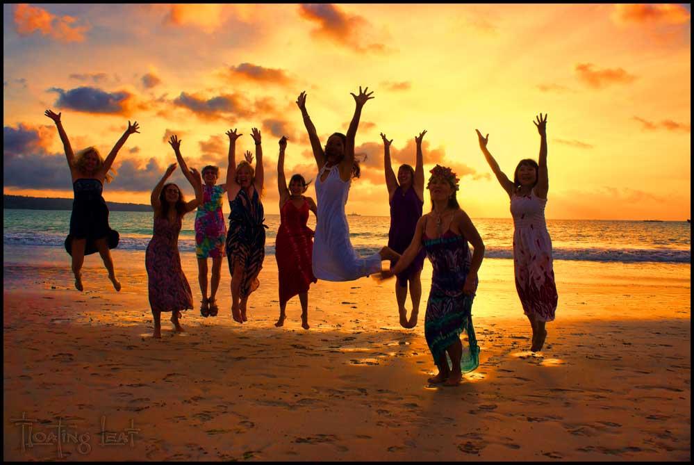 Bali-love-sunset-jump.jpg