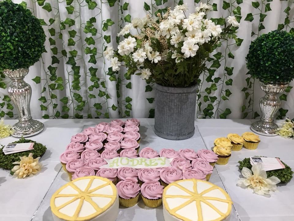 cake table1.jpg
