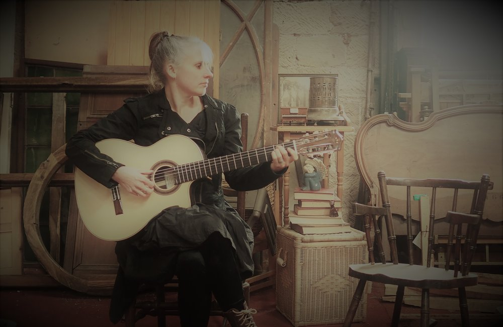 Sarah Hinds - From the Amber Valley itself, Sarah is a folk singer who writes about the land she loves. Her local environment, wildlife and history is all the inspiration she needs and Wildside Fest will give her the stage to inspire you too.