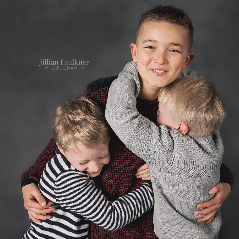 Professional family photographer Jillian Faulkner offers family photography sessions in Calgary, Alberta and surrounding areas.