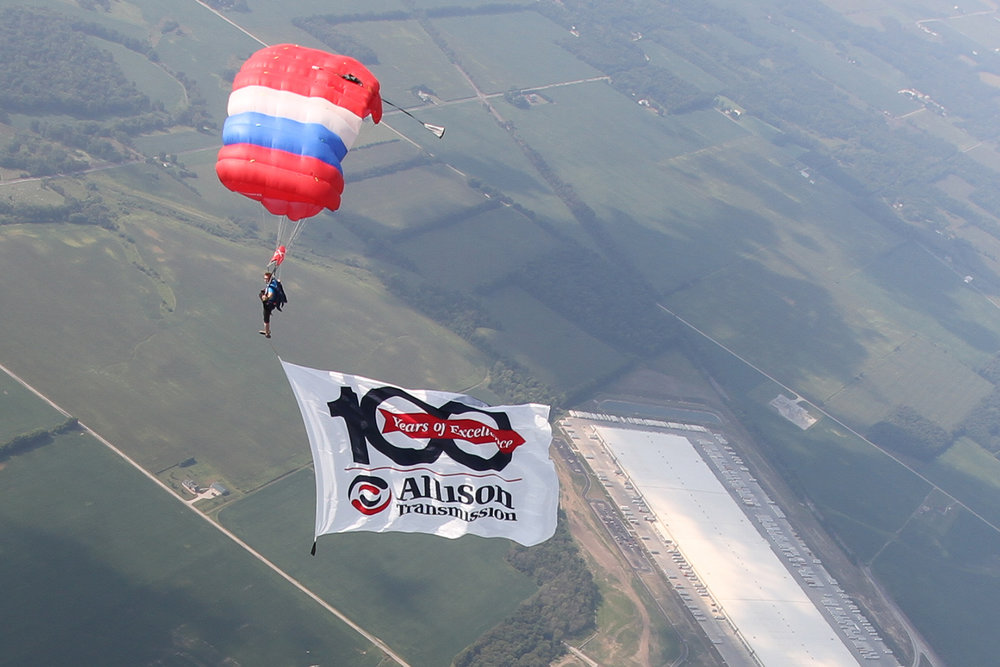 Our pro-rated skydivers bring impact to your event.