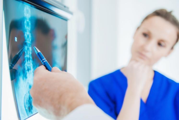 radiography-xray-diagnose-PNKCLHW.jpg
