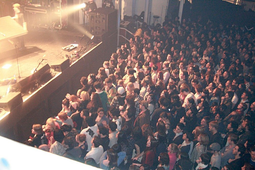 1024px_Wide_Light1920 Crowd Soundwell ConcertIMG_1564.jpg