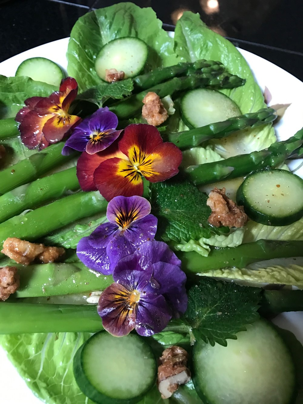 asparagus and pansy salad with lemonbalm.JPG