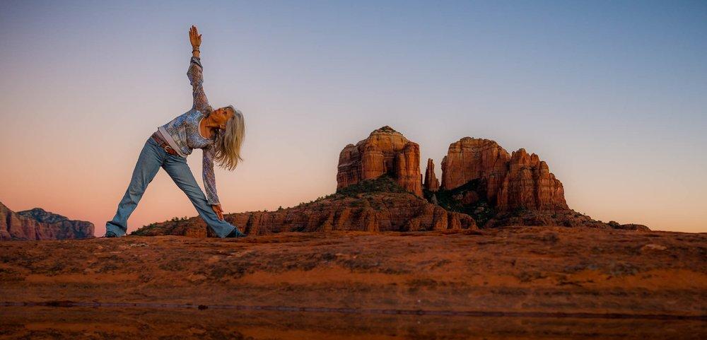 yoga+cathedral+rock+2+-+Simply+Enchanted+Living+-+Rhianne+Newlahnd+-+Sedona+Arizona.jpg