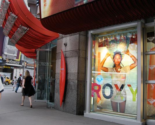 Roxy / Quicksilver | Exterior Store Signage