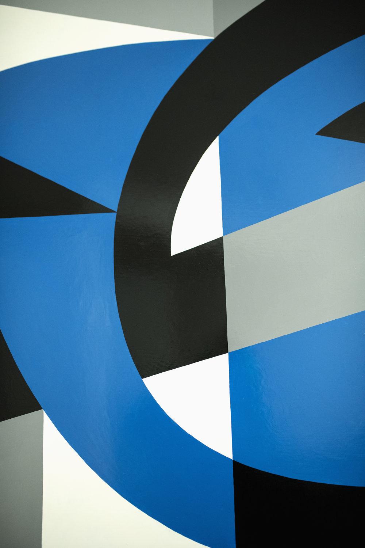 Art Loungessa sijaitseva Lars-Gunnar Nordströmin taideteos on lainattu yksityiskokoelmasta.