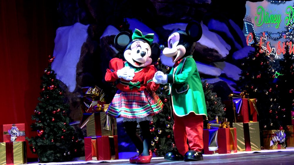 Disneyland Paris Let's Sing Christmas.jpg