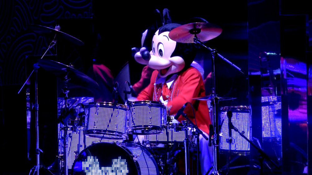 Mickey's Christmas Big Band at Disneyland Paris 2.jpg