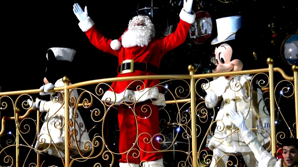 Mickey's Magical Christmas Lights Tree Lighting Ceremony at Disneyland Paris 2018.jpg