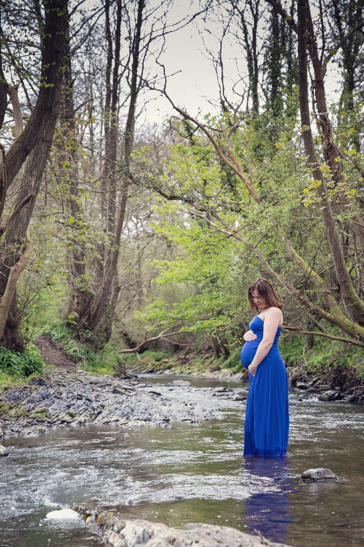leri_lane_photography_maternity_pregnancy__expencting_preganant_third_trimester_baby_posing_shropshire_wales_photographer-8.jpg