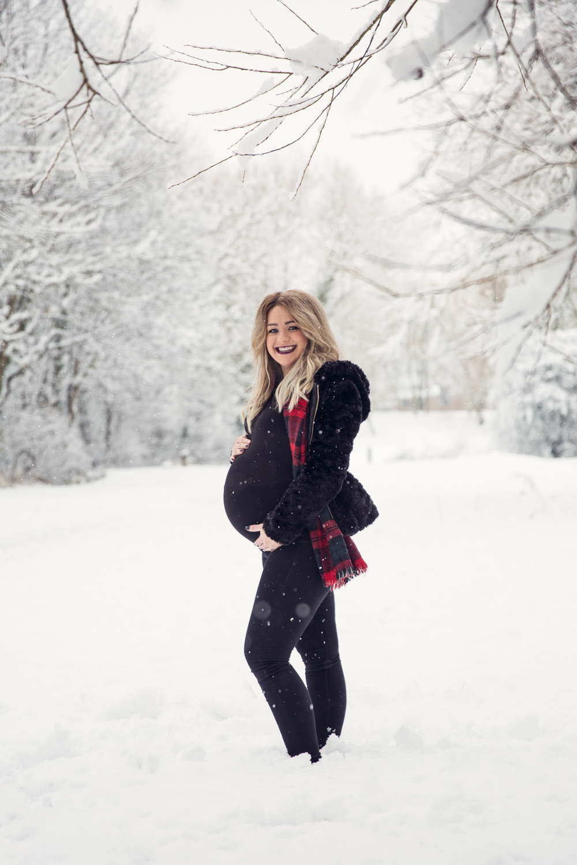 leri_lane_photography_maternity_pregnancy__expencting_preganant_third_trimester_baby_posing_shropshire_wales_photographer-15.jpg