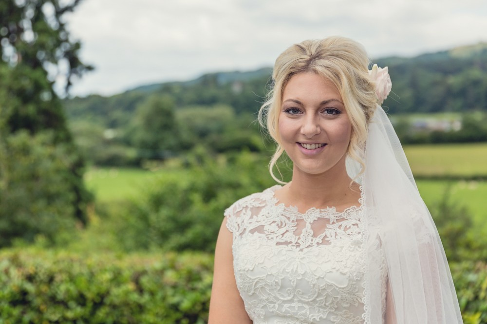 leri-lane-photography-wales-shropshire-photgrapher-maesmawr-oswestry-broneirion-plasdinam-gregynog-elan-valley-2016-weddings-56-1000x667.jpg