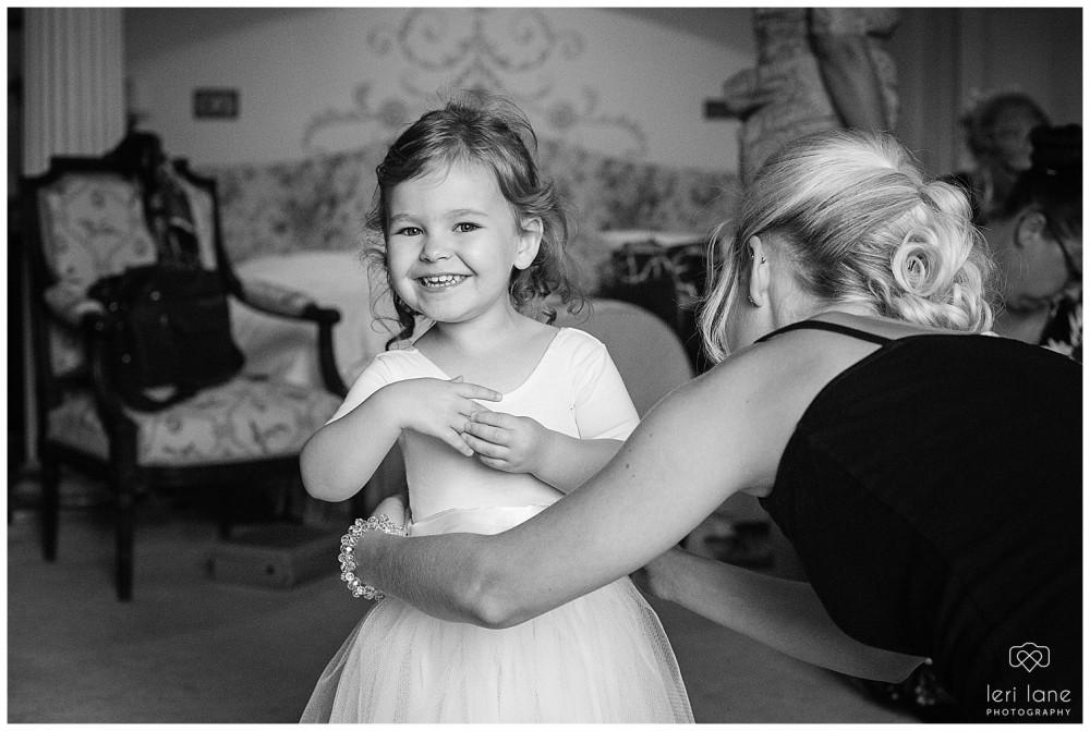 jodie-adam-walcott-walcot-unique-venue-hall-spring-wedding-shropshire-wedding-photogarpher-leri-lane-photography-16