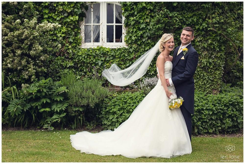 jodie-adam-walcott-walcot-unique-venue-hall-spring-wedding-shropshire-wedding-photogarpher-leri-lane-photography-50