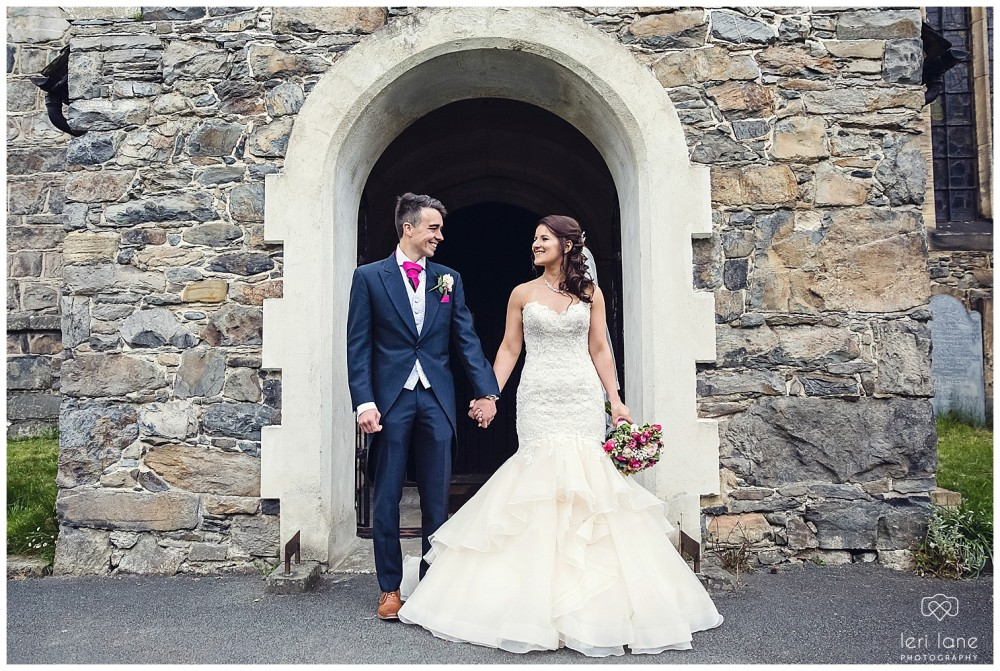 leri-lane-photography-tower-hill-barns-brynich-maesmawr-rowton-castle-gregynog-walcott-hall-wedding-flowers-bride-natural-photos-bridesmaids-rings-shoes-mid-wales-shropshire-22