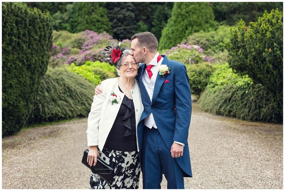 leri-lane-photography-tower-hill-barns-brynich-maesmawr-rowton-castle-gregynog-walcott-hall-wedding-flowers-bride-natural-photos-bridesmaids-rings-shoes-mid-wales-shropshire-40