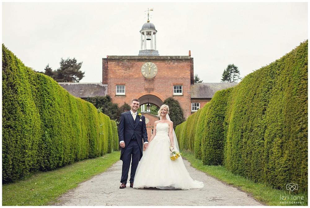 leri-lane-photography-tower-hill-barns-brynich-maesmawr-rowton-castle-gregynog-walcott-hall-wedding-flowers-bride-natural-photos-bridesmaids-rings-shoes-mid-wales-shropshire-6