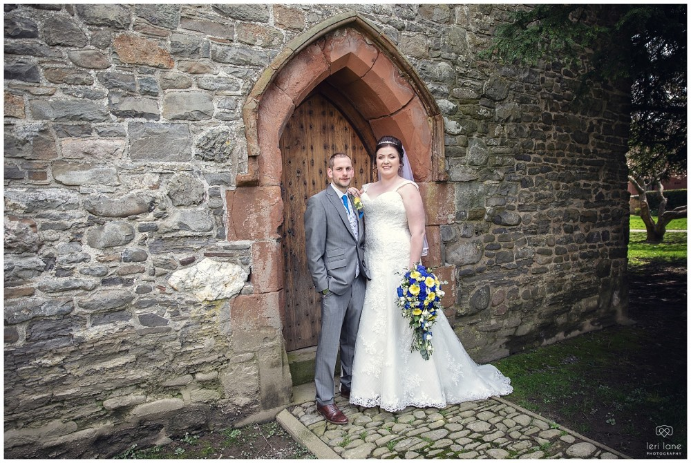 wedding_photography-bride-groom-mid-wales-leri-lane-elephant-and-castle-2018_007