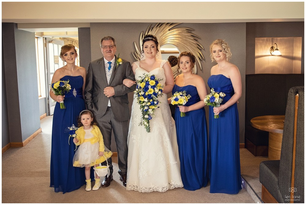 wedding_photography-bride-groom-mid-wales-leri-lane-elephant-and-castle-2018_009