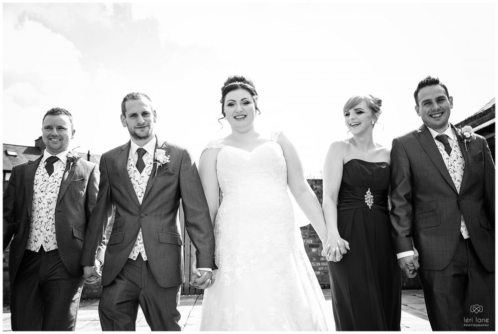 wedding_photography-bride-groom-mid-wales-leri-lane-elephant-and-castle-2018_022