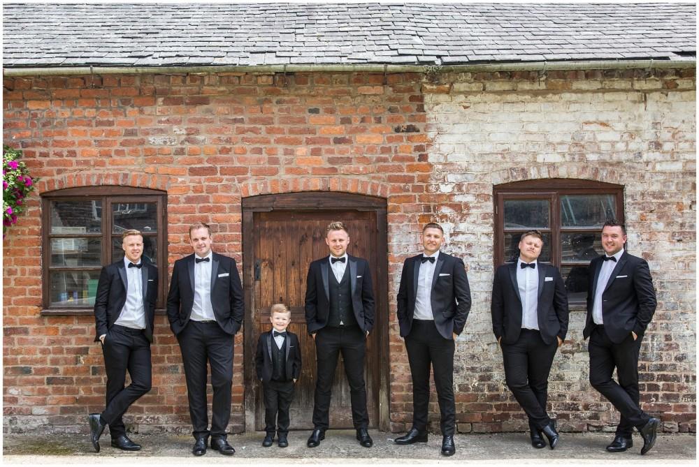 LeriLanePhotography_wedding_Elephant_castle_neetown_Mid_Wales_Photography_Chrissie_mathew-13