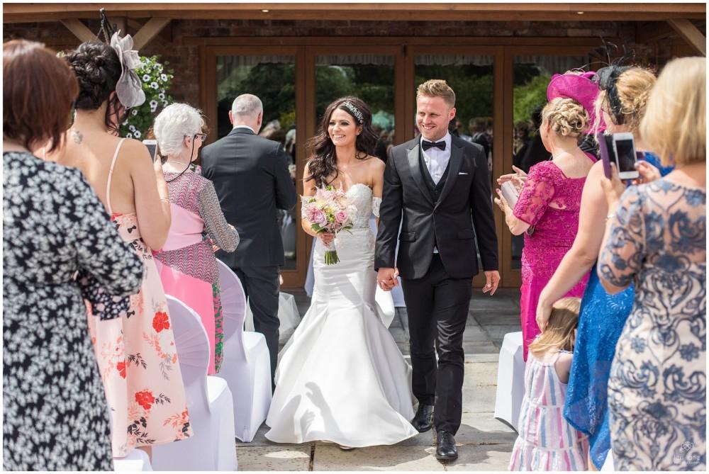LeriLanePhotography_wedding_Elephant_castle_neetown_Mid_Wales_Photography_Chrissie_mathew-21