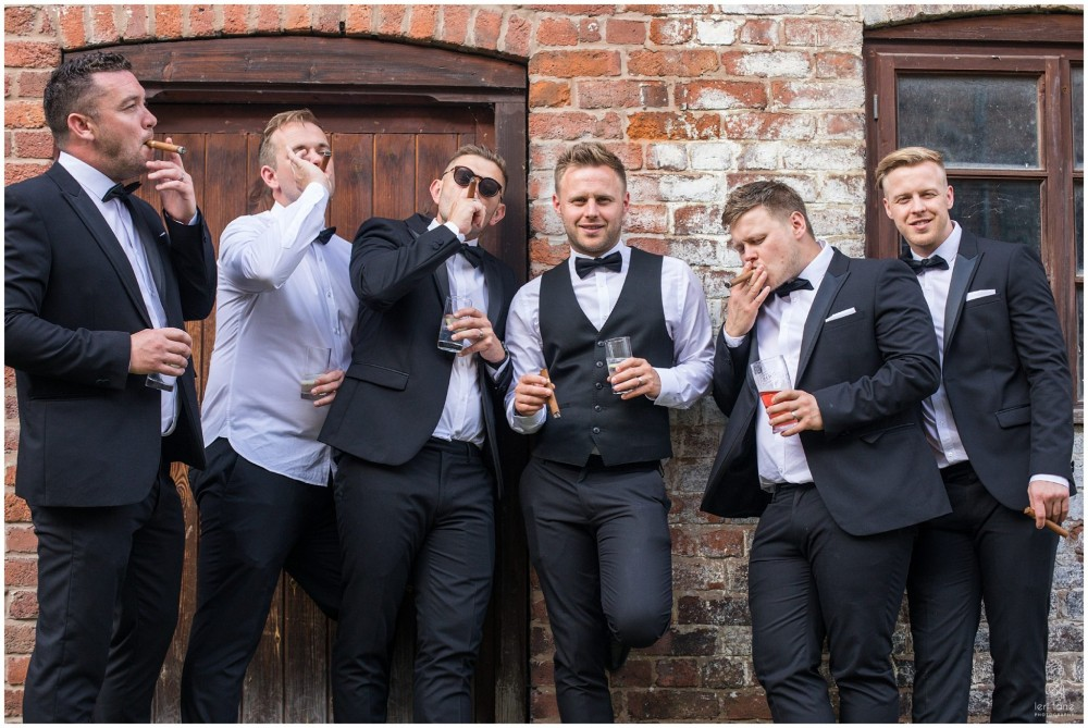 LeriLanePhotography_wedding_Elephant_castle_neetown_Mid_Wales_Photography_Chrissie_mathew-38