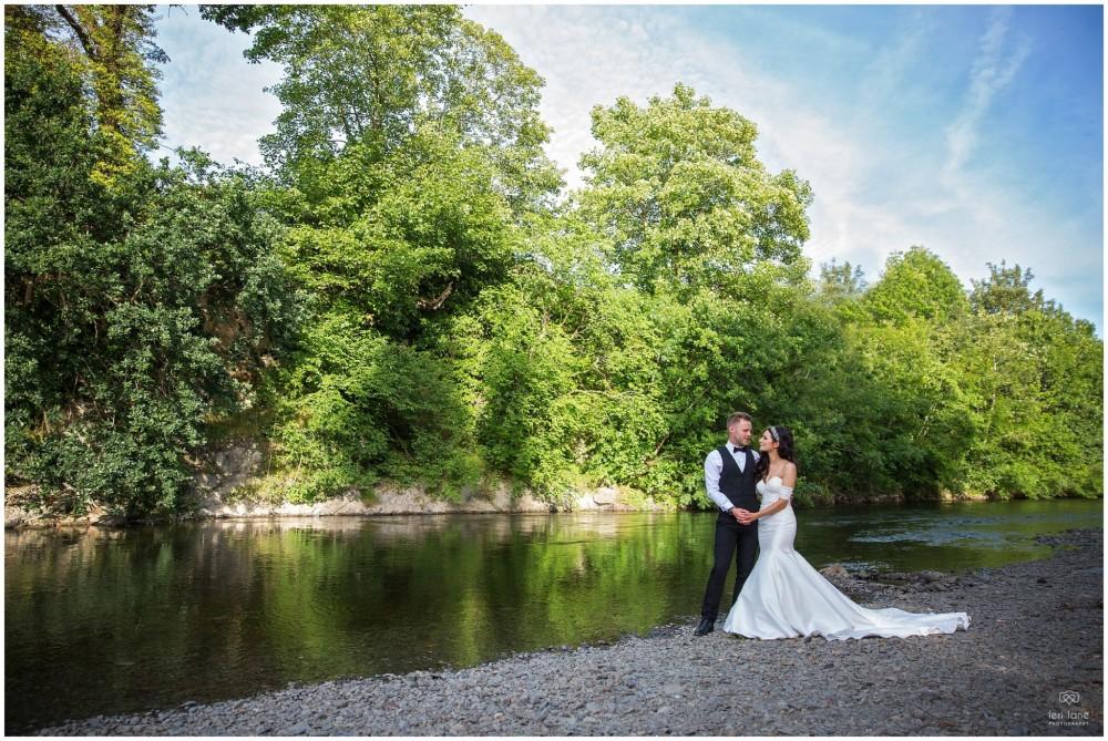 LeriLanePhotography_wedding_Elephant_castle_neetown_Mid_Wales_Photography_Chrissie_mathew-40