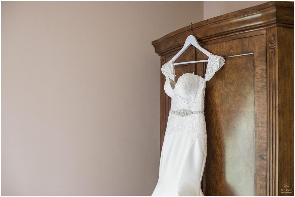 LeriLanePhotography_wedding_Elephant_castle_neetown_Mid_Wales_Photography_Chrissie_mathew-6