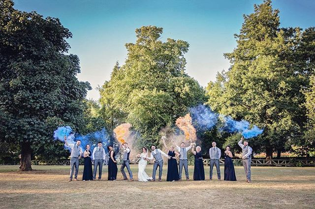 Sending some sunny vibes 😎  A summer wedding where the #bride and #groom wanted fun and a splash of colour added to their #weddingday  #wedding #smokebomb #weddingphotography #lerilanephotography #couplegoals #bridalparty #weddingparty #smokebombs #weddingphotographer #shropshire #midwales #outdoorwedding #bohostyle #weddingfun