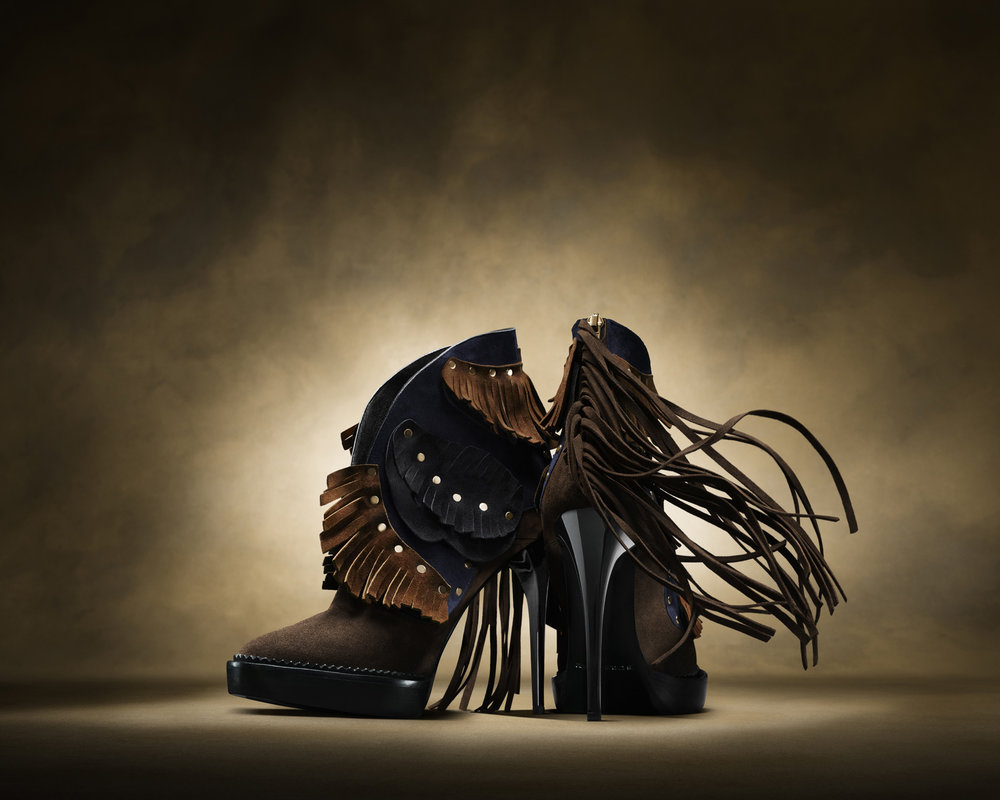25-icon-artist-management-katie-hammond-advertising-ACCESSORIES-burberry-shoes.jpg