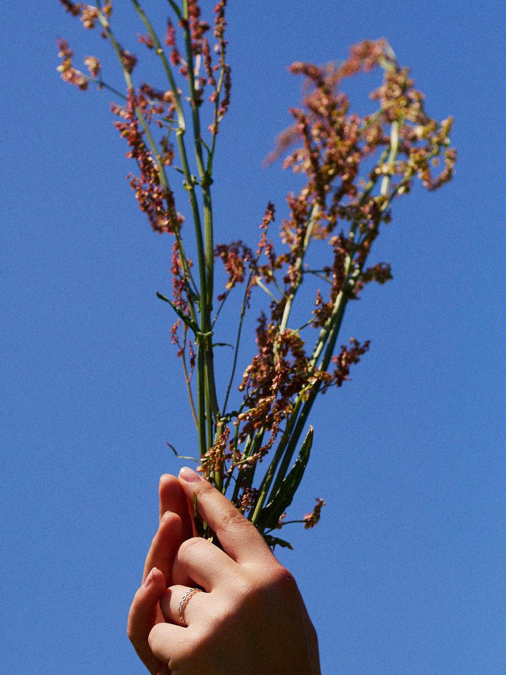 029-icon-artist-management-Kristin-Vicari-Girls and Flowers-29.jpg