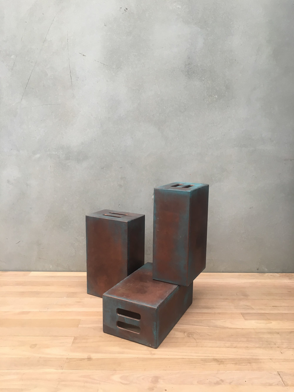 300 X 200 X 500 FULL APPLE BOXES RUST / TEAL