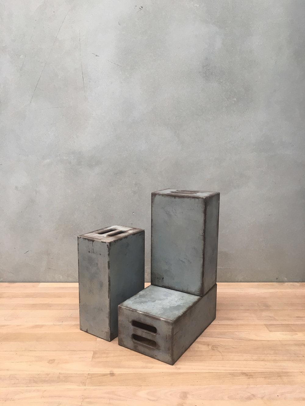 300 X 200 X 500 FULL APPLE BOXES RUST / GREY