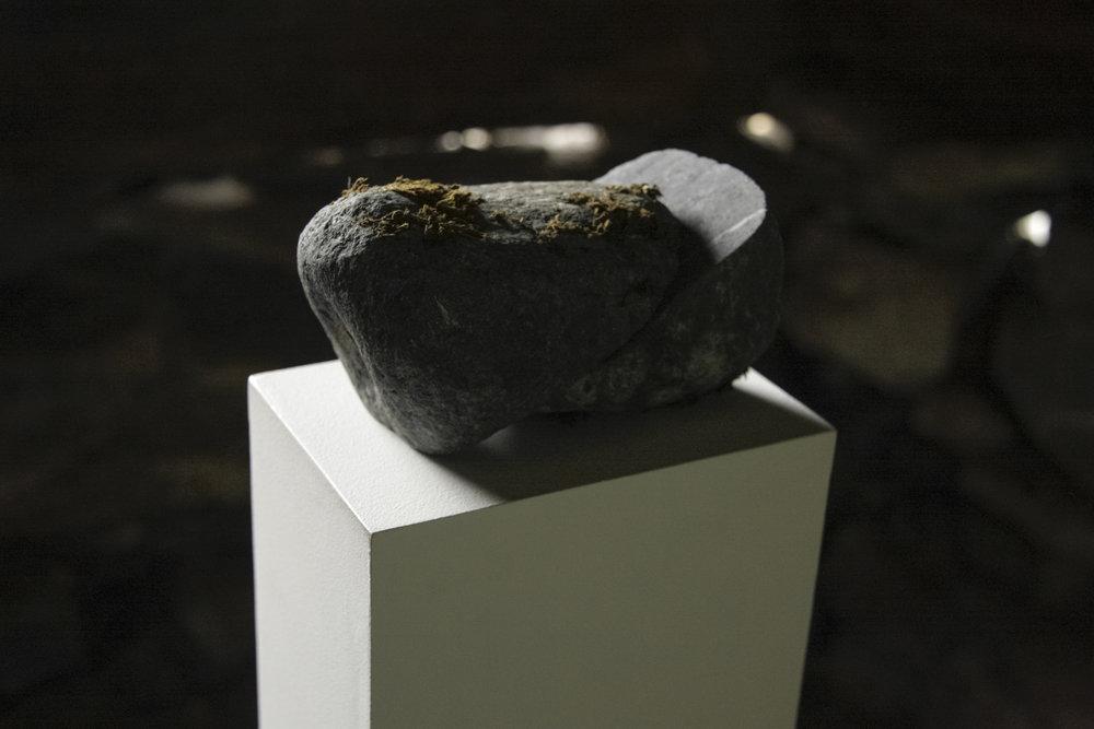 Sliced slate rock 15x10x10cm